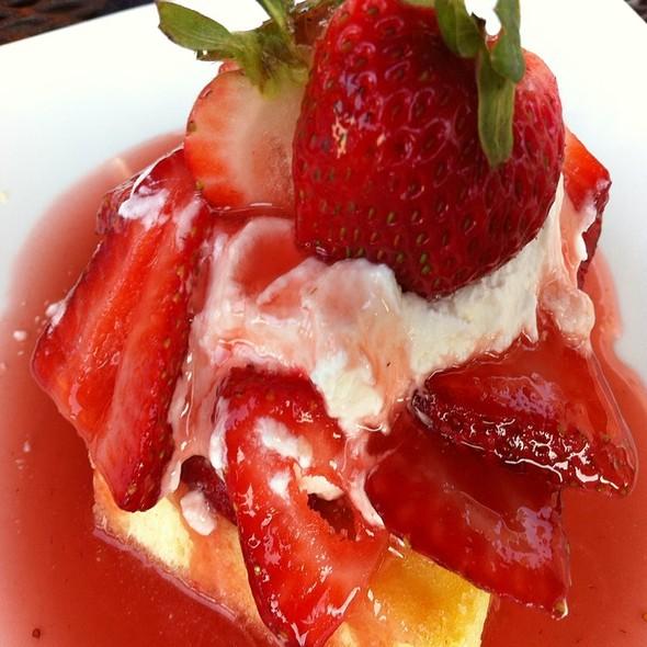 strawberry shortcake - Indigo Landing, Alexandria, VA