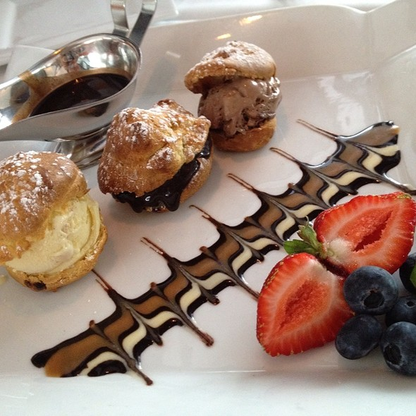 Profiteroles - Christopher's + Crush Lounge, Phoenix, AZ