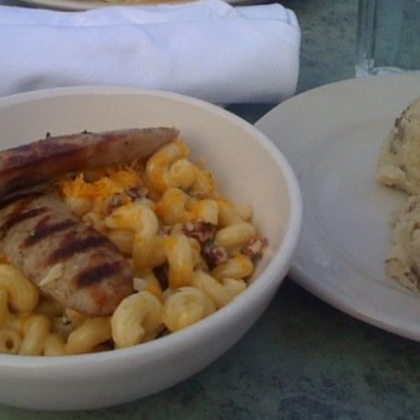 Mac n Cheese with Brats, Roasted Garlic Mash - 4 Bells, Minneapolis, MN