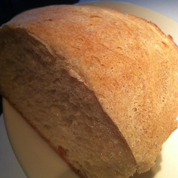 Italian Bread - Vivo, Chicago, IL