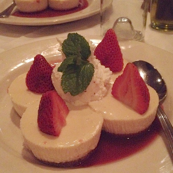 Mini Cheesecake - Maggiano's - Troy, Troy, MI