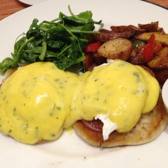 Eggs Benedict - Southern Art and Bourbon Bar, Atlanta, GA