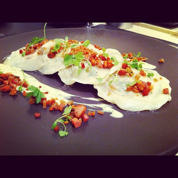 Spinach Chorizo And Ricotta Ravioles - Birks Café par Europea, Montr�al