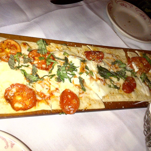 Margherita Flatbread - Maggiano's - Cherry Hill, Cherry Hill, NJ