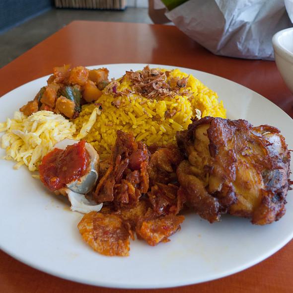 Nasi Kuning Komplit - Simpang Asia, Los Angeles, CA