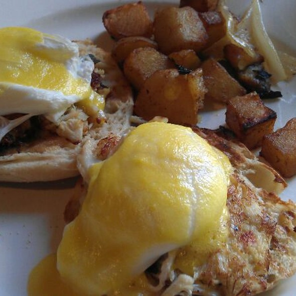 Crabmeat benedict - Friend of a Farmer, New York, NY