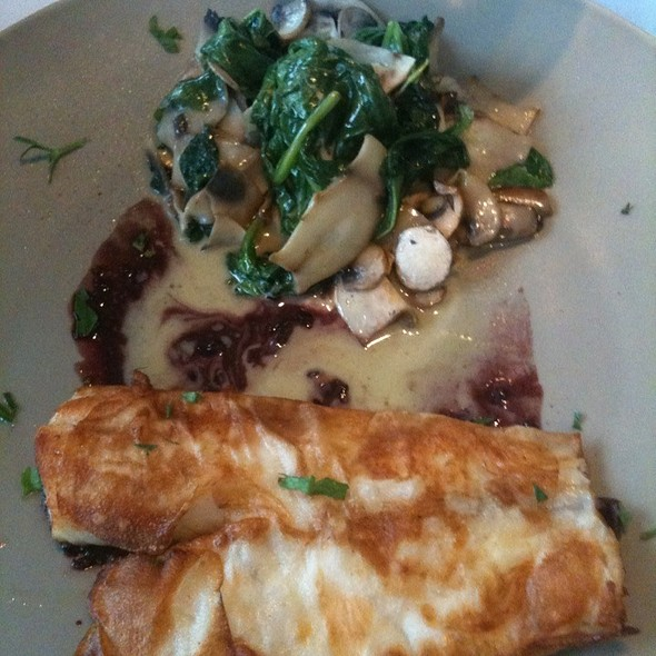 Potato Encrusted Red Snapper With Spinach And Mushrooms - Bistro 18, Montclair, NJ
