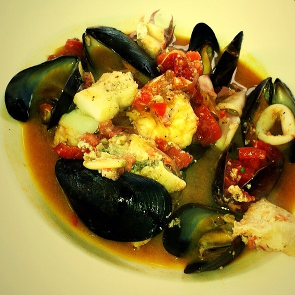 Cioppino - The Bell & Anchor, Sag Harbor, NY