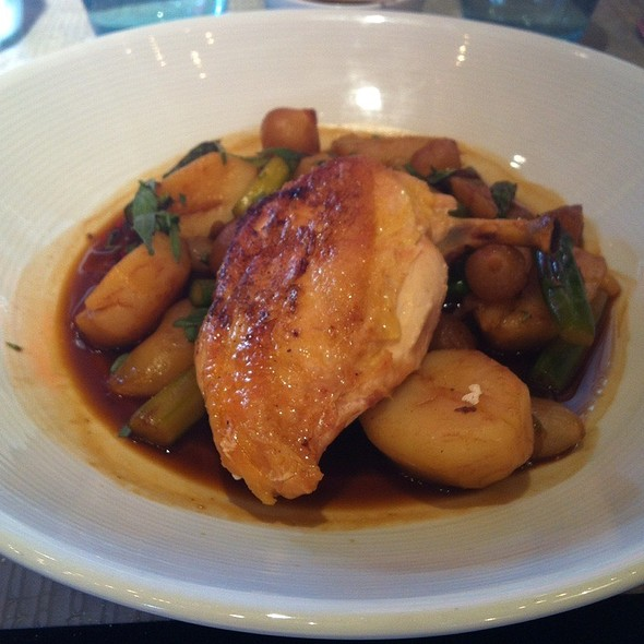 Roasted Chicken Breast With Potatoes, Asparagus And Onions - Tuttons, London