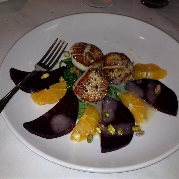Pan Seared Scallops And Beets Over Spinach - Artichoke Cafe, Albuquerque, NM