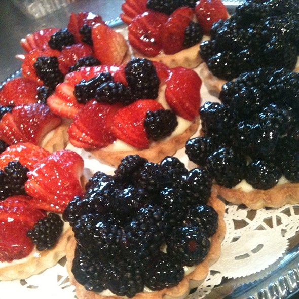 Fresh Berry Tart - Faces Mears Park, Saint Paul, MN