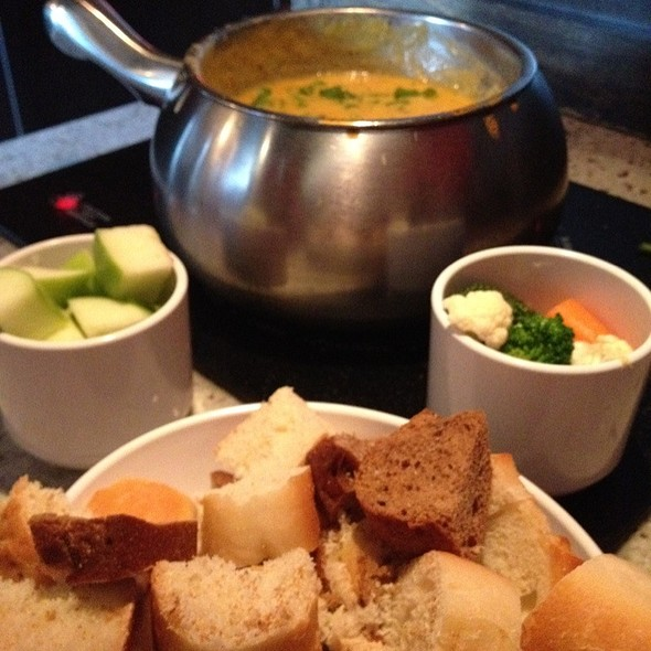 Boston Lager Cheddar Fondue - The Melting Pot - Reston, Reston, VA