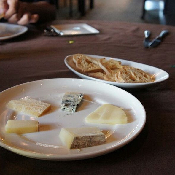 Cheese Plate - LJ's & The Kat Lounge, Hagerstown, MD