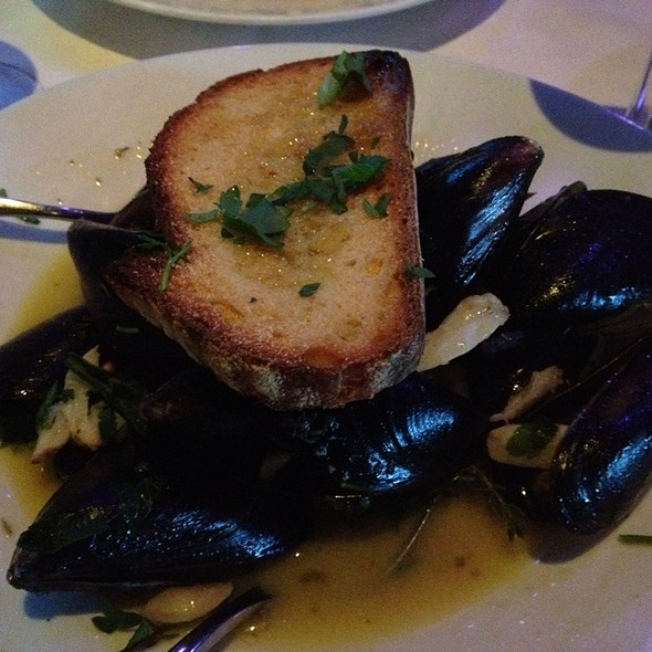 Mussels in White Wine Sauce - Cafe Martorano, Fort Lauderdale, FL