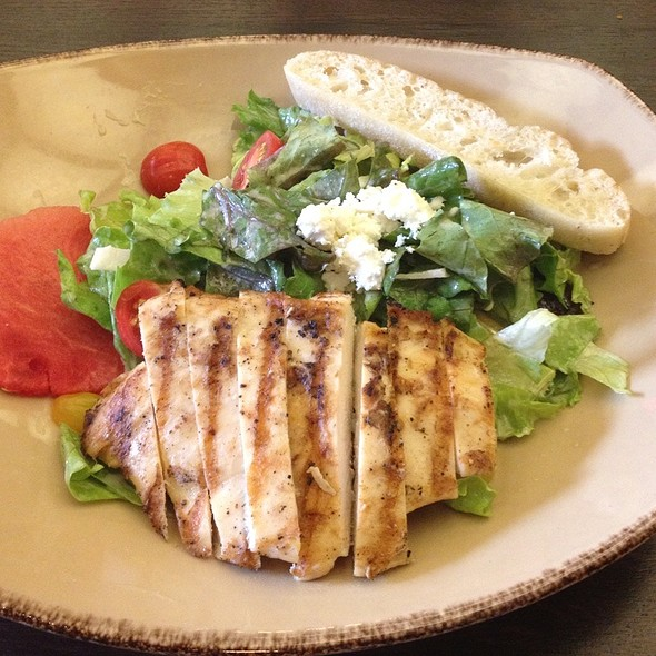 House Garden Salad With Grilled Chicken - 5ive/Five Steakhouse, Plymouth, MI