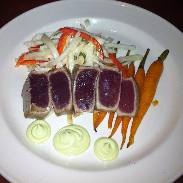 Hawaiian Tuna - Bordinos, Fayetteville, AR