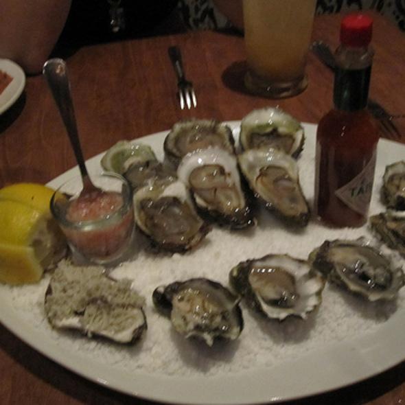 Oysters - L'Orignal, Montréal, QC