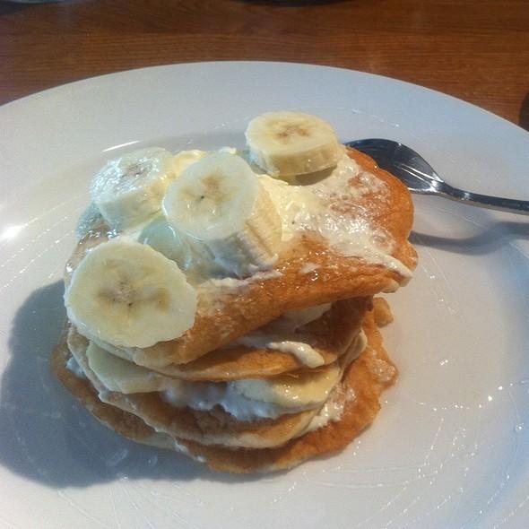 Pancakes With Banana, Mascarpone & Honey - Ponti's Italian Kitchen - John Princes Street, London