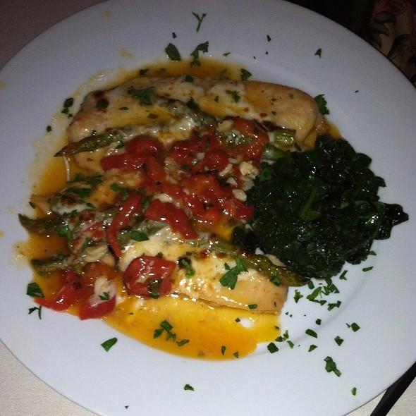 Pollo Pucinella - Vidalia Restaurant - Lawrenceville, NJ, Lawrenceville, NJ