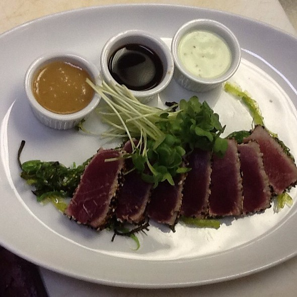 Ahi tuna - Nautilus Cafe, Freeport, NY