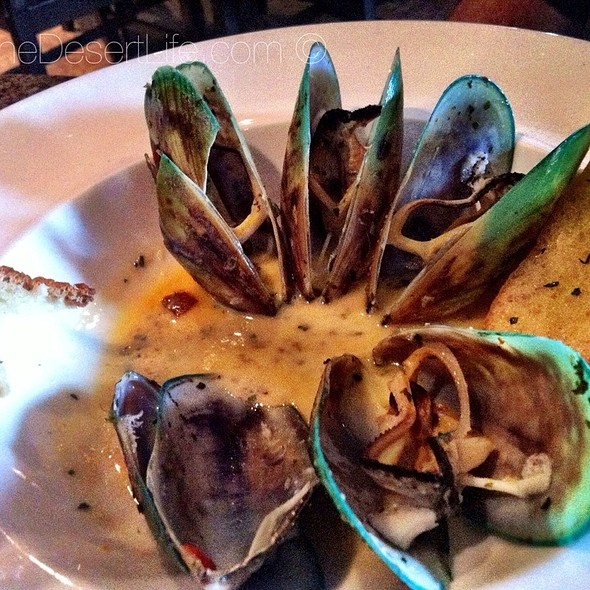 New Zealand Green Lip Mussel - Arnold Palmer's Restaurant, La Quinta, CA