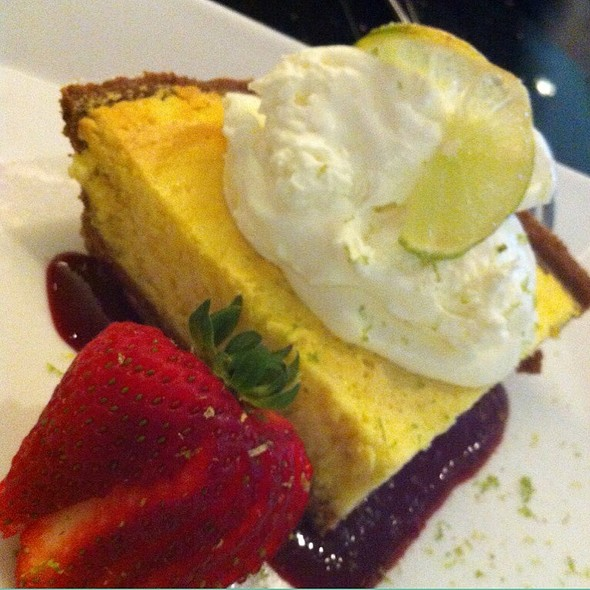 Key Lime Pie - Daily Grill - Burbank Marriott Hotel, Burbank, CA