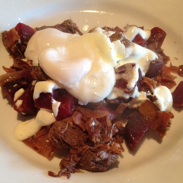 Red Flannel Hash - Cibo E Beve, Sandy Springs, GA