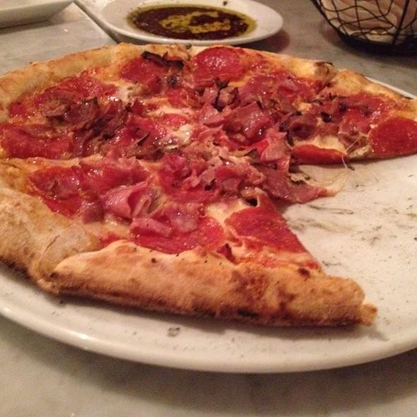 Neapolitan Pizza - Bravo! Pizzeria & Grill, Niagara Falls, ON