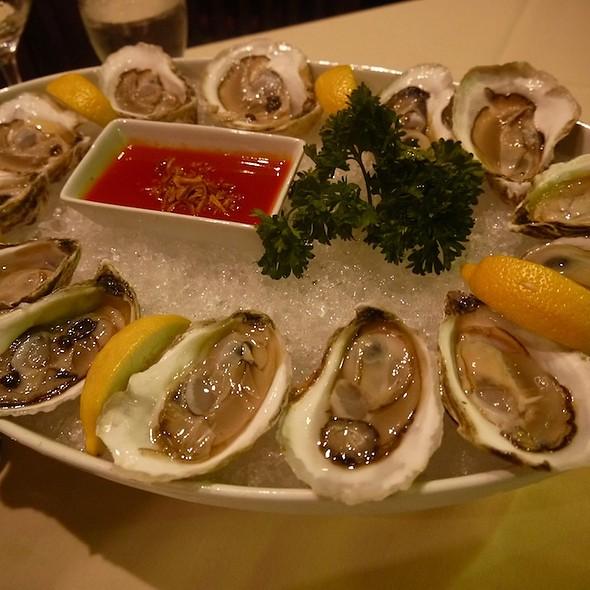 Fresh Oysters - Lemon Grass - Syracuse, Syracuse, NY