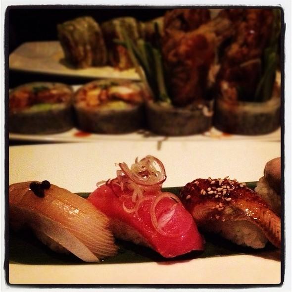 Nigiri Sushi - Oishii Boston, Boston, MA
