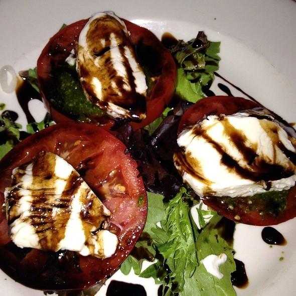 Heirloom Tomato Salad - 801 Chophouse – Des Moines, Des Moines, IA