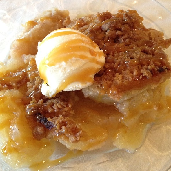 Apple Crisp - Nicollet Island Inn, Minneapolis, MN