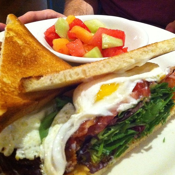 Blt With Fried Egg Sandwich - Gus's BBQ, South Pasadena, CA
