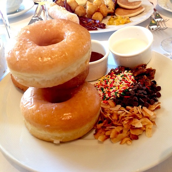 Doughnuts - Lobby Lounge @ Four Seasons Hotel Westlake, Westlake Village, CA