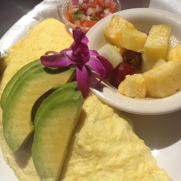 Vegetable omelette with fresh fruit - Island Lava Java Bistro, Kailua, HI