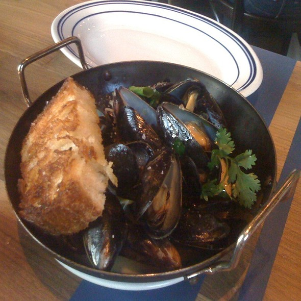 Mussels in Green Curry. - The Optimist, Atlanta, GA