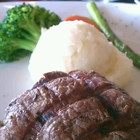 Filet Mignon - Veritas Steak & Seafood, Sugar Land, TX