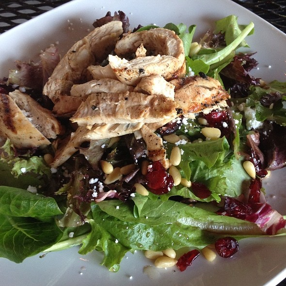 Goat Cheese Salad - Red Rocks Cafe - Birkdale Village, Huntersville, NC