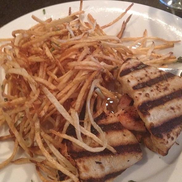 Grilled Chicken Flatbread - Parallax Restaurant & Lounge, Cleveland, OH