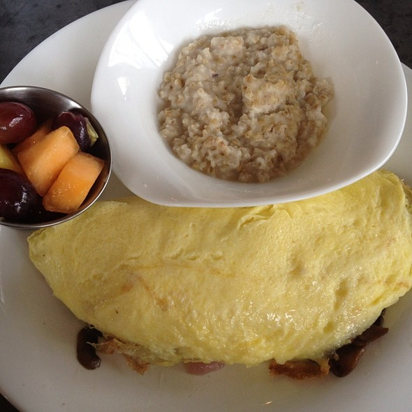 Omelet With Oatmeal And Fruit - An Urban Table, Prairie Village, KS
