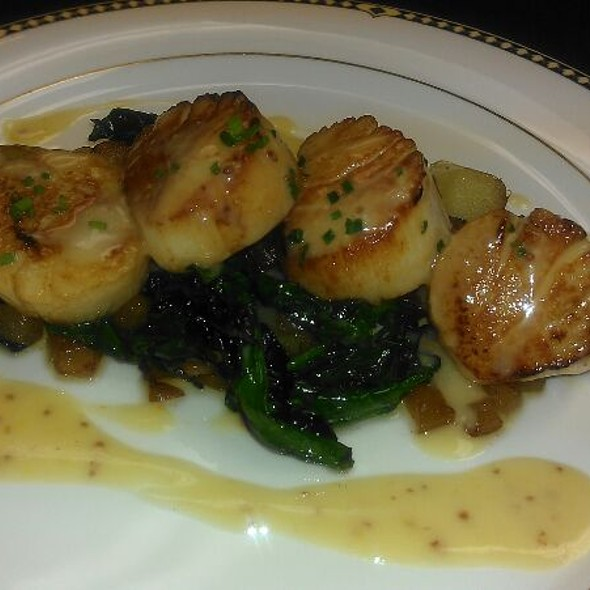 Sea Scallops With Pear Horseradish Vinagrette - The Comus Inn at Sugarloaf Mountain, Dickerson, MD