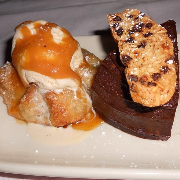 Apple Crostada & Chocolate Zuccotto Cake Minis - Maggiano's - Milwaukee, Wauwatosa, WI