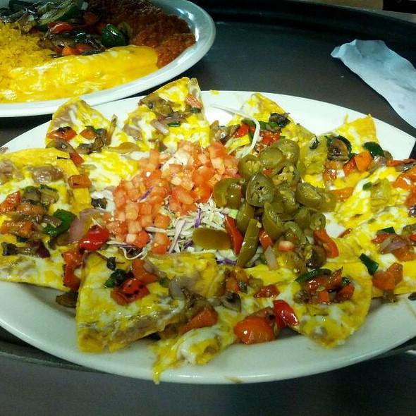 Veggie Nachos - Posados Cafe - Plano, Plano, TX