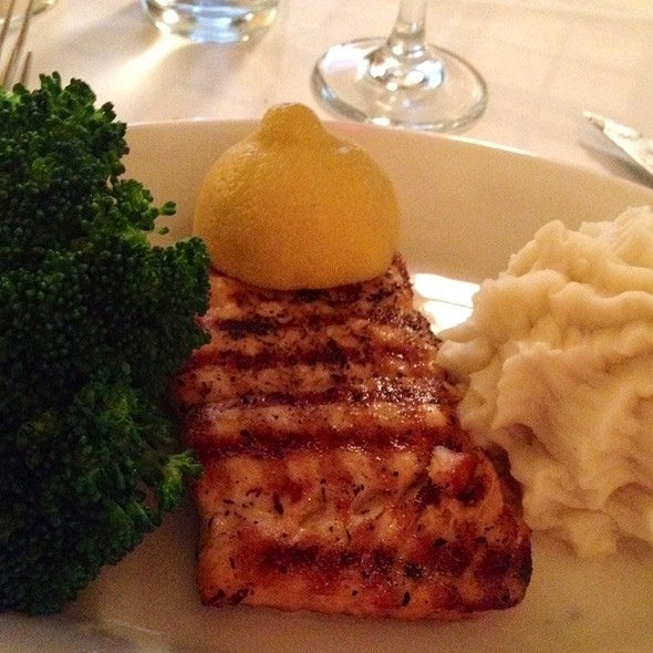 Salmon - Gibsons Bar & Steakhouse - Chicago, Chicago, IL