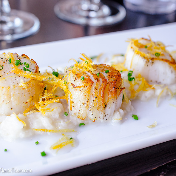 roasted weathervane scallops  - LIFT Bar Grill View, Vancouver, BC