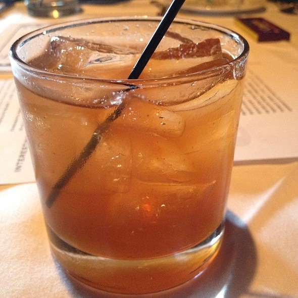 Nueskes Bacon Old Fashioned - Jake's Restaurant, Brookfield, WI