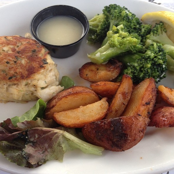 crab cake - Carlucci's Waterfront, Mount Laurel, NJ