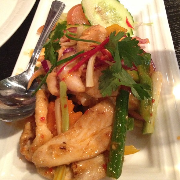Spicy Thai Salad With Chicken - Try Thai, Manchester