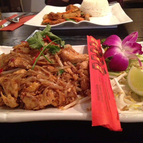 Chicken Phad Thai - Try Thai, Manchester