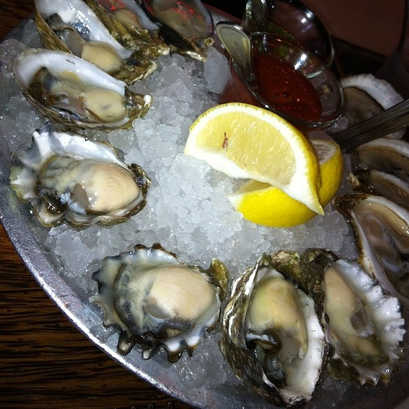 Oysters - Willi's Seafood & Raw Bar, Healdsburg, CA